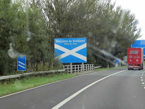 crossing the border into scotland from england on october 4, 2016
