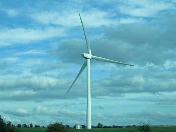 wind turbine on the way to glasgow, scotland on october 4, 2016