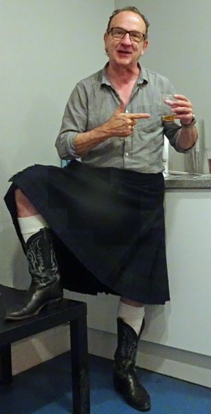 david yow backstage at cca in glasgow, scotland on august 2, 2019