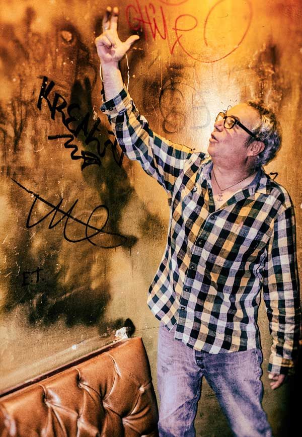 mike watt at king georg (backstage) in cologne, germany on october 28, 2016 by martin styblo