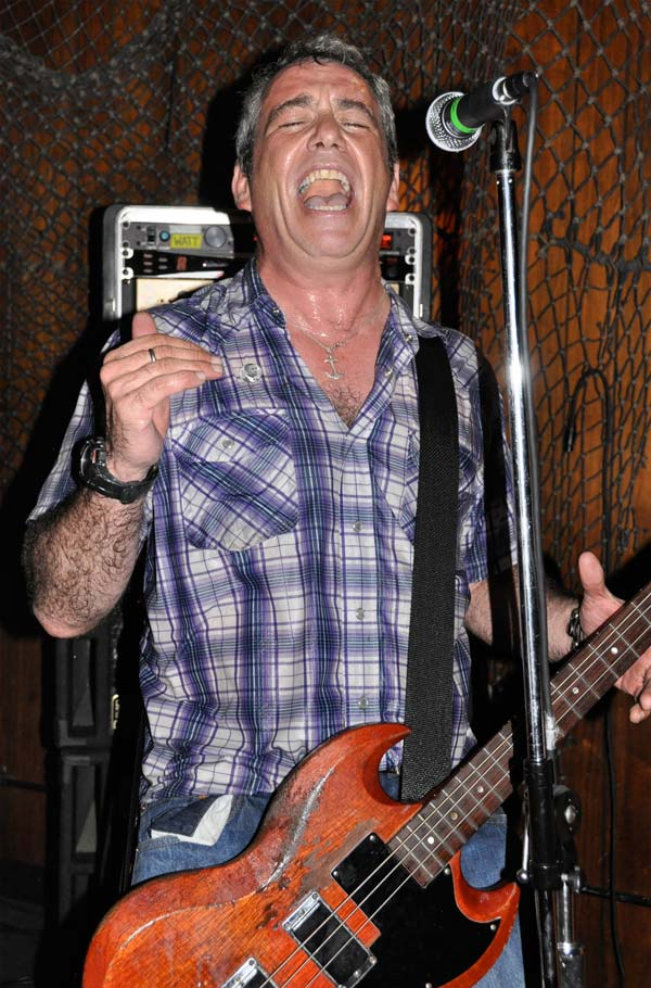 mike watt at the redwood bar & grill in downtown los angeles, ca on september 25, 2009 by eiko kobayashi