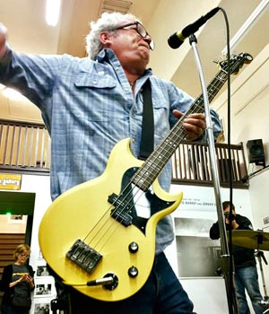 mike watt w/wattplower prototype bass at pop obscure records in los angeles, ca on january 7, 2017 - photo by ron borolla
