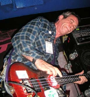 Mike Watt in 2005, photo by richard walsh