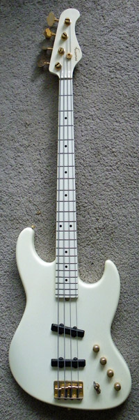 watt's moon bass (larry graham model)